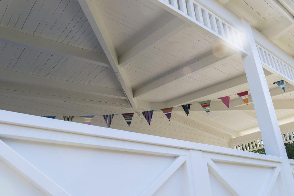 bygge veranda på hus
